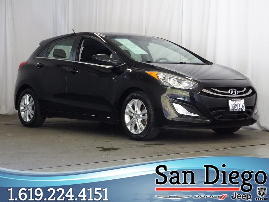 Pre-Owned 2014 Hyundai Elantra GT Base w/Blue